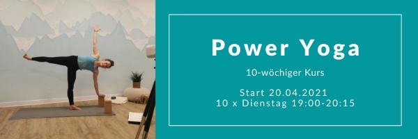 Lisa Burr beim Power Yoga in Bad Reichenhall